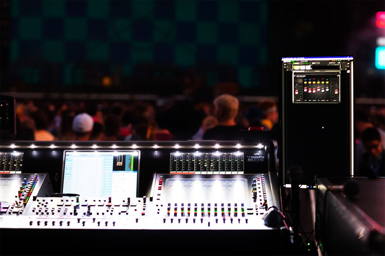 Waves MultiRack feeds Kenny Sellars' DiGiCo SD5 during Twenty One Pilots' show