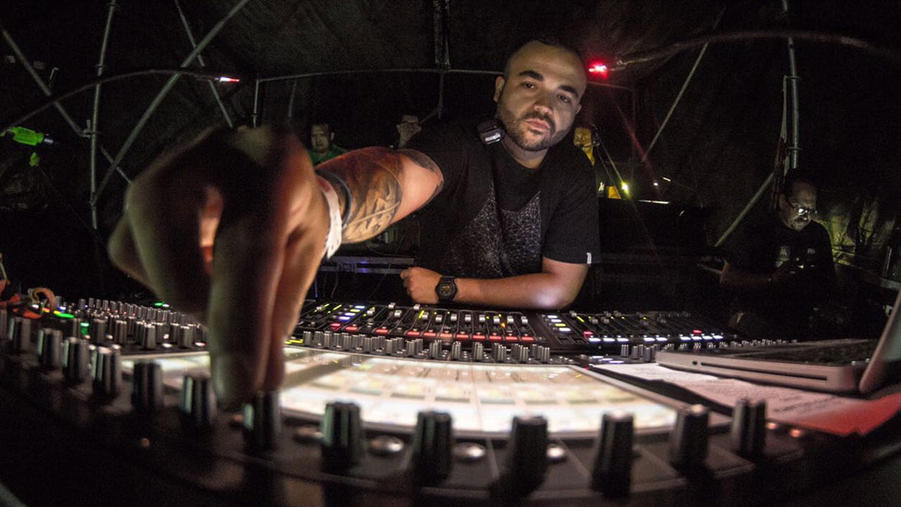 The Art of FOH Mixing: On Tour with Maluma | Waves