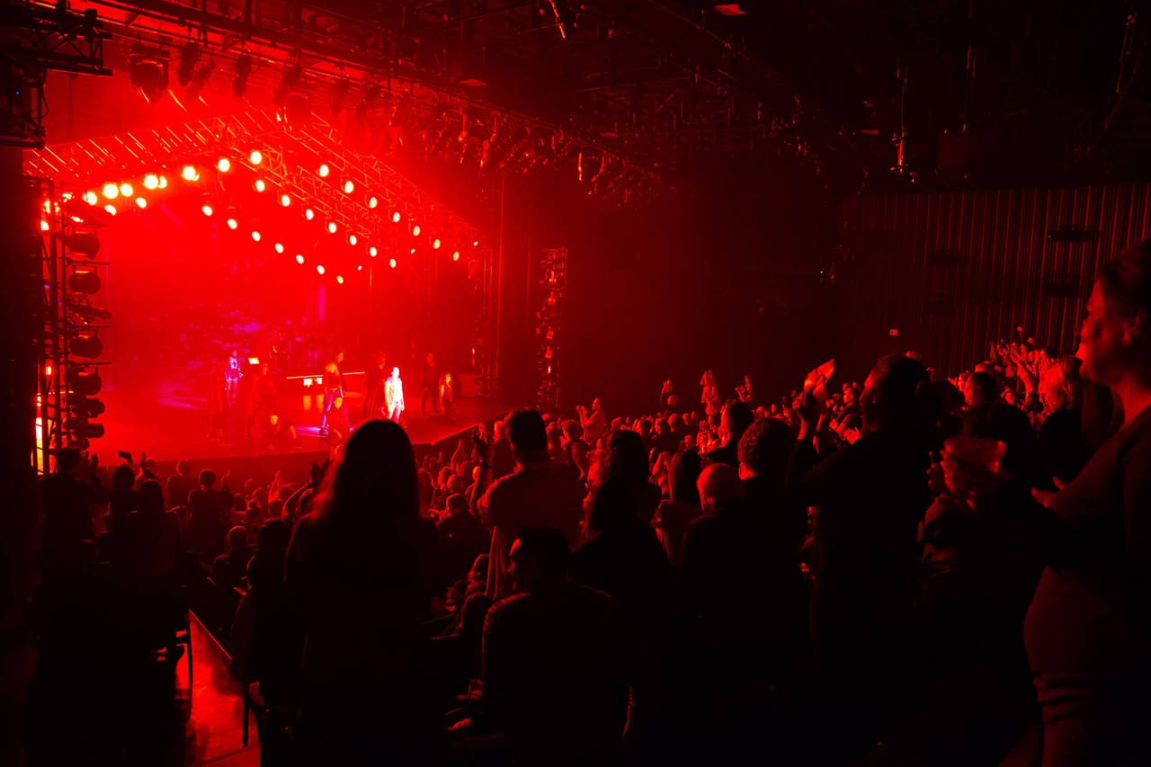 "A mid-show standing ovation for ""You Oughta Know"" in Jagged Little Pill. Photo: Evgenia Eliseeva"