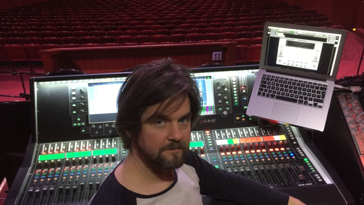 FOH engineer Oscar Söderlund on the American Idiot production
